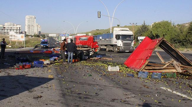 Ankara'da trafik kazası: 2 ölü, 30 yaralı