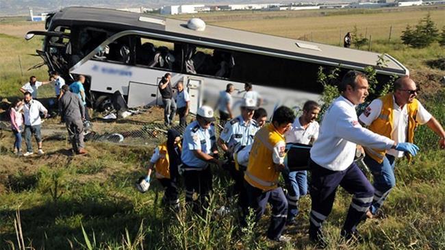 Ankara'da otobüs devrildi: 1 ölü, 27 yaralı