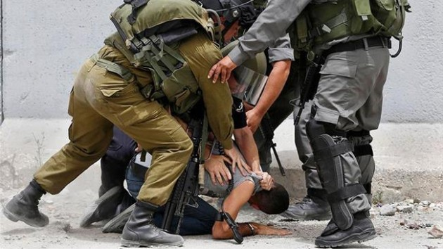 israil-asker-filistinli-çocuk-gözaltı