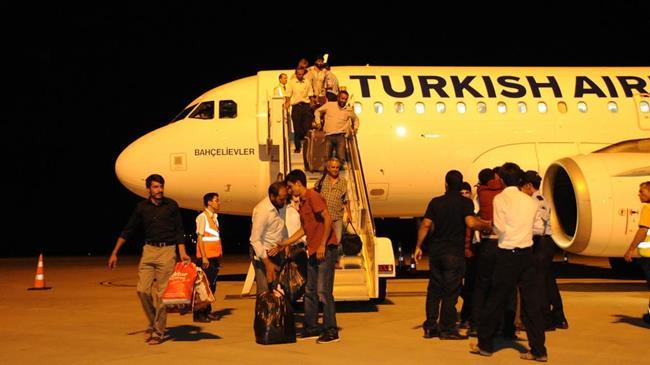 Türk TIR şoförleri yurda döndü