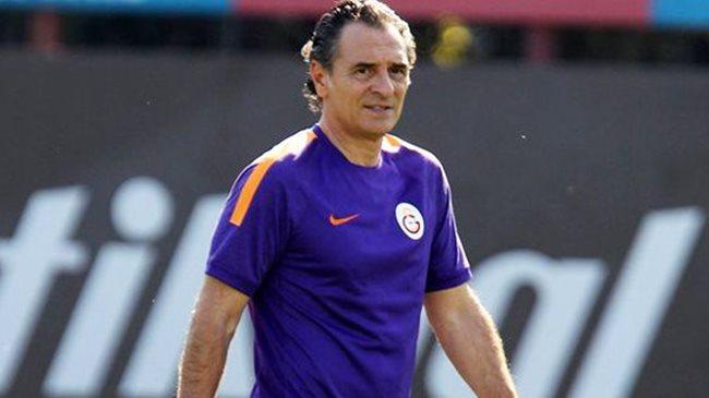 Galatasaray'da 6 futbolcu daha gidiyor