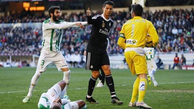 Cristiano Ronaldo-yumruk
