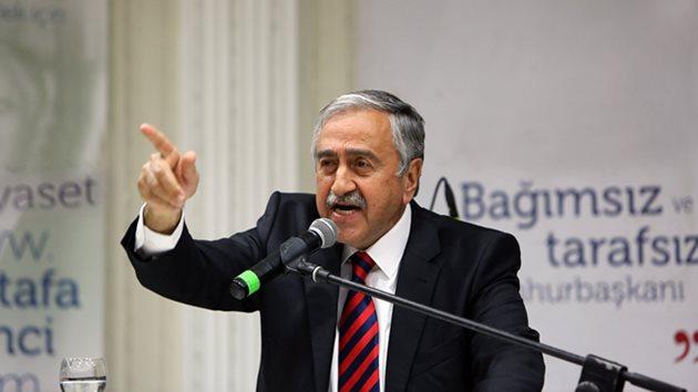 Cumhurbaşkanı Mustafa Akıncı'dan ezber bozan tören konuşması