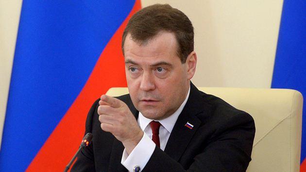 Medvedev'den Türkiye'de tatil açıklaması