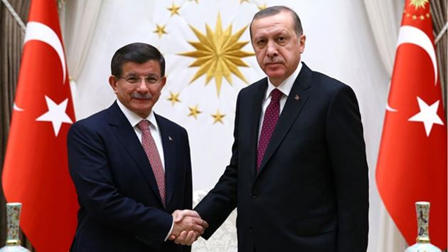 Davutoğlu, Cumhurbaşkanı'na istifasını sundu