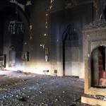 Diyarbakır'ın Sur ilçesinde, terör örgütü PKK mensuplarınca düzenlenen ve yangına neden olan saldırıda kentteki ilk Osmanlı eseri Fatihpaşa Camii kullanılamaz hale geldi.