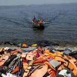 Sığınmacılar Türkiye'den Ege Denizi'ni geçerek Midilli Adası'na varıyor. Fotoğrafçı: ANGELOS TZORTZINIS Yer: Midilli / Yunanistan Tarih: 10 Eylül 2015