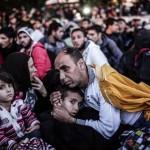 Edirne'ye gidemeyen sığınmacılar İstanbul Esenler Otogarı'nda bekliyor. Fotoğrafçı: YASİN AKGÜL Yer: İstanbul / Türkiye Tarih: 16 Eylül 2015