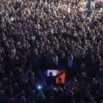 Paris terör saldırılarından 4 gün sonra, binlerce kişi terörü protesto etmek ve hayatını kaybedenleri anmak için biraraya geliyor. Fotoğrafçı: ERIC CABANIS Yer: Fransa Tarih: 17 Kasım 2015