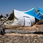 Mısır'ın Şarm el Şeyh şehrinden kalkan Rus Metrojet Havayolları'na ait Airbus A-321 tipi yolcu uçağı, 224 yolcu ve mürettebatıyla Sina'da düştü. Uçağın enkazında incelemeler yapılıyor.  Fotoğrafçı: MAXIM GRIGORYEV Rusya Afet İşleri Bakanlığı Yer: Mısır Tarih: 3 Kasım 2015
