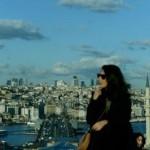 Han bu yüzden de 1 lira ile en ucuz İstanbul rüyasını yaşayanların buluştuğu ortam haline dönüşüyor.