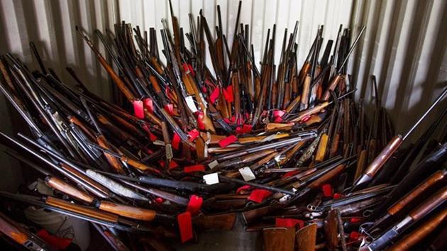 Bir evde 5 bin silah bulundu!