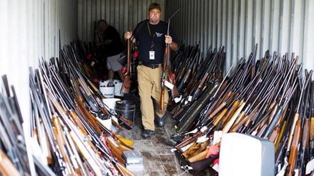 ABD-Bir evde 5 bin silah