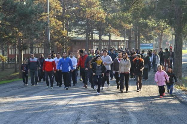 Başakşehir'de sabah yürüyüşü