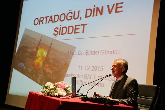 Başakşehir'de 'Din ve Şiddet' konuşuldu