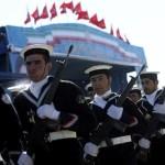Rusya ve İran 2007 yılında S-300 hava savunma sistemi satışı konusunda anlaşmış, ABD ve İsrail imzalanan anlaşmaya sert tepki göstermişti.