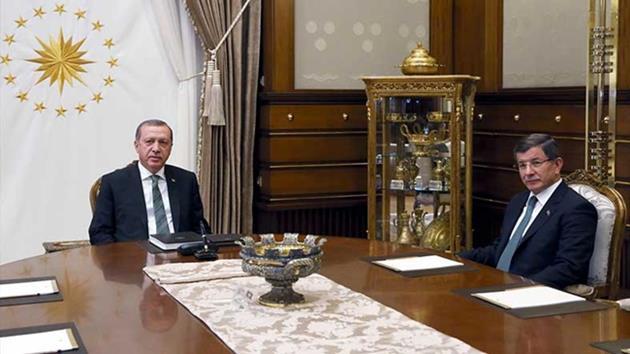 Erdoğan-Davutoğlu kritik görüşmesi bitti