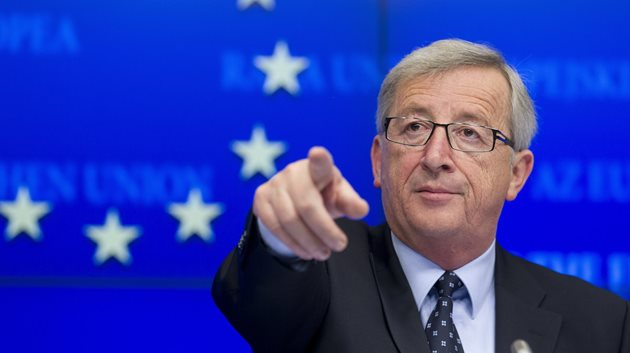 Juncker basın toplantısını terk etti