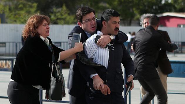 Can Dündar'a saldıran şahsın cezası belli oldu
