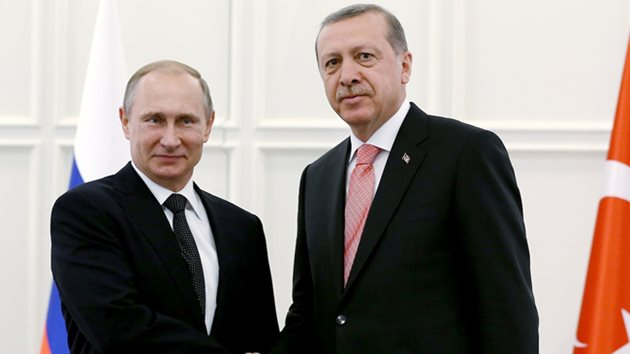 Erdoğan Putin'le Suriye'yi görüştü