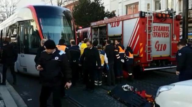istanbul-beyazit-tramvay-kaza