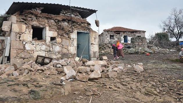 Çanakkale'nin Ayvacık ilçesinde art arda 3 deprem