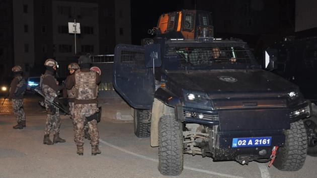 DAEŞ'e büyük operasyon: 400 kişiye gözaltı