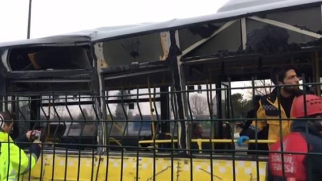 Küçükçekmece-servis aracı metrobüs-kaza