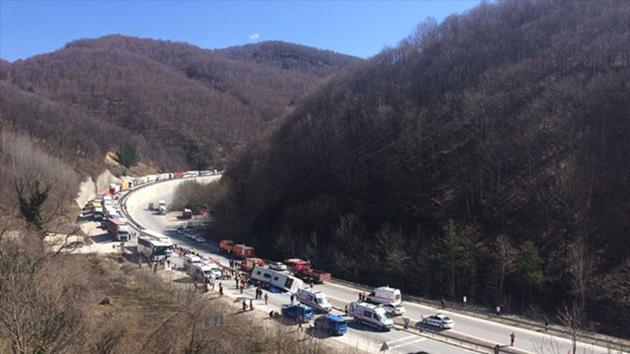 Sendika otobüsü kaza yaptı: 7 ölü
