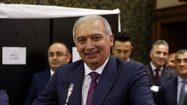 İstanbul Büyükşehir Belediyesi'nin yeni başkanı Mevlüt Uysal