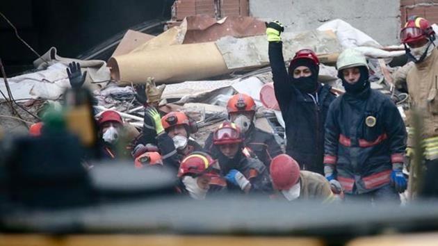 İstanbul Kartal'da 8 katlı bina çöktü: 21 ölü!